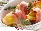 Рецепта Запечени картофи с бекон, лук, кашкавал и мащерка на фурна